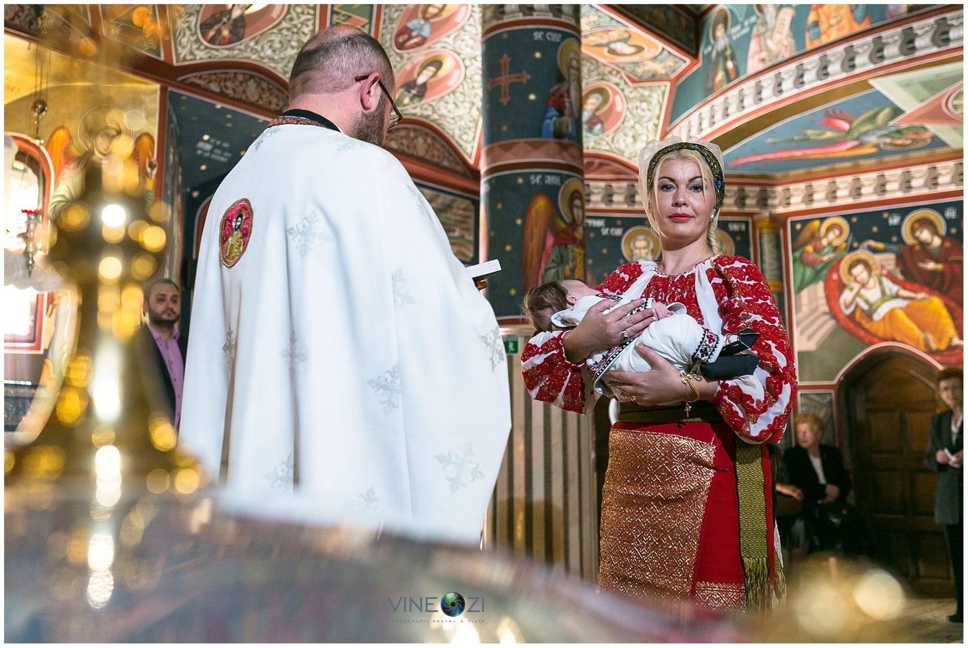 Botez Razvan - 14 mai 2016 - Casa Bucovineana © Codrin Anton FOTOGRAF – www.VineOZi.ro